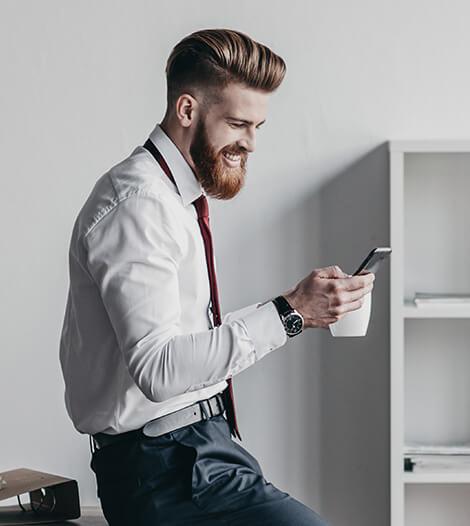 businessman-using_smartphone